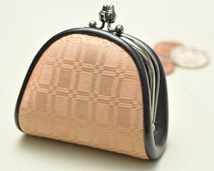 亀綾織財布の写真