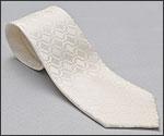 亀綾織ネクタイの写真