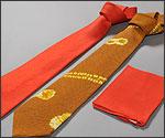 ネクタイとハンカチの写真