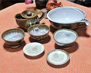 米沢焼茶碗、小皿などの写真