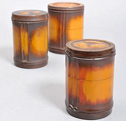 竹塗漆器の茶筒の写真
