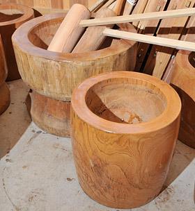 切畑の木工品「杵と臼」の写真