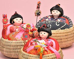 現代のいづめこ人形の写真