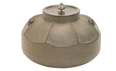 山形鋳物「茶の湯釜」の写真
