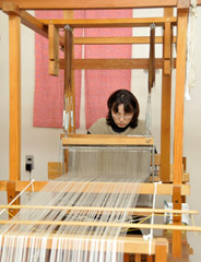 機織りの作業の写真